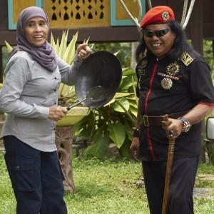 Rani Kulup dan Pelakon Kartina Aziz
