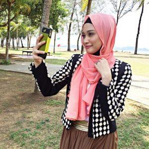Ayda Jebat Selfie