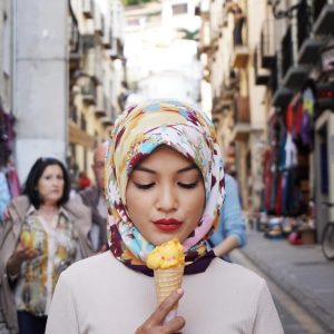 Foto Eyka Farhana Makan Aiskrim. Nyum..