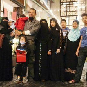 Gambar Keluarga Ustaz Azhar Idrus