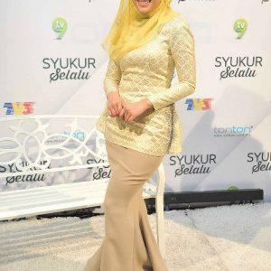 Elfira Loy Cantik di Program TV3