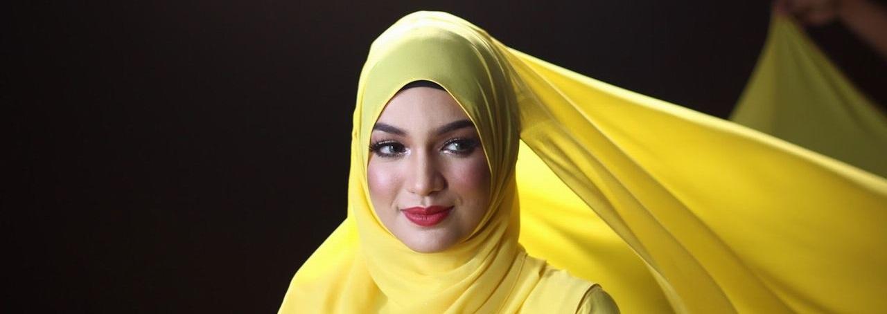 Amyra Rosli Header