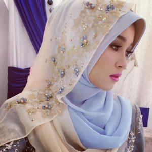 Emma Maembong Nikah Dress
