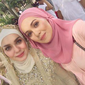 Foto Uqasha Senrose dan Nelydia Senrose Cantik Berbaju Kurung