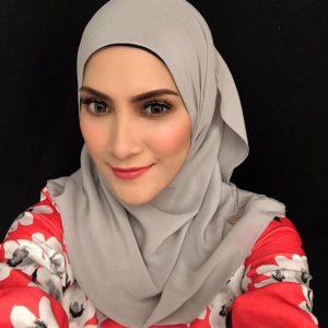 Gadis Cantik Manis Sherry Ibrahim