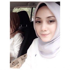 Gambar Cantik Mia Ahmad Serba Putih