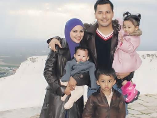 Gambar dato aliff syukri dan keluarga pergi bercuti for Floor 88 zalikha lirik