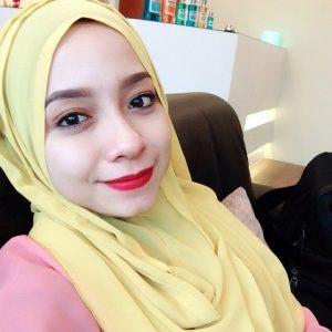Nadya Syahera Manisnya Bertudung