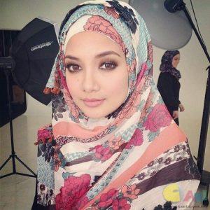 Neelofa - Natural Beauty Gadis Melayu
