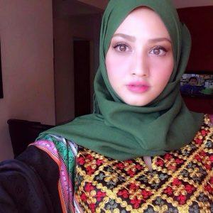 Nur Fathia Latiff Selfie