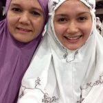 Selfie Hanna Aqeela Berpakaian Solat