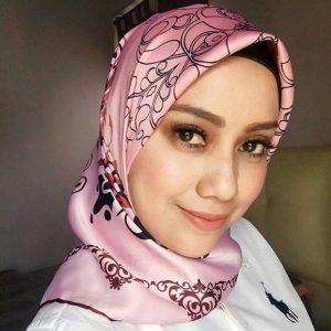 Wajah Mia Ahmad Comel Bertudung