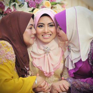 Gambar Cantik Mawar Fareeda Bertunang