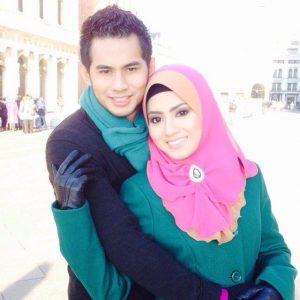 Gambar Mawar dan Fizo Honeymoon