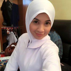 Izreen Azminda Comel Pakai Baju Jururawat Nurse