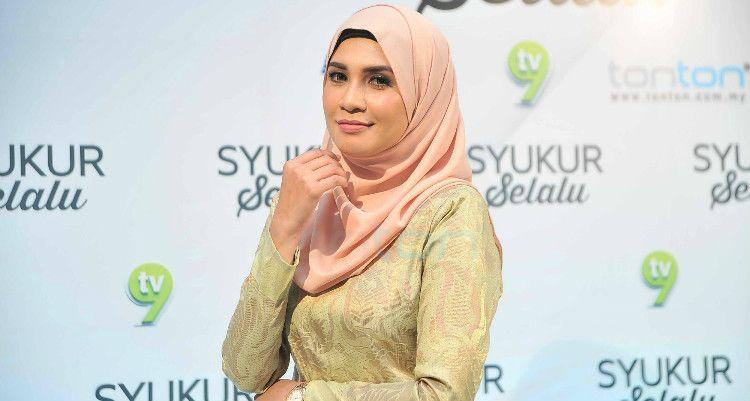 Izreen Azminda Di Majlis Anjuran TV9