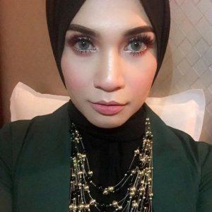 Izreen Azminda Mata Cantik