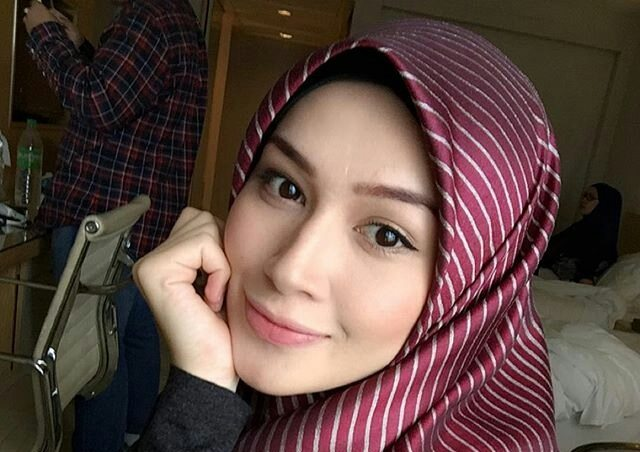 Niena Baharun Header