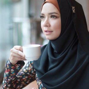 Nora Danish Berhijab Penuh Paling Cantik