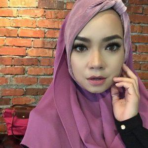 Nora Danish Bertudung Litup