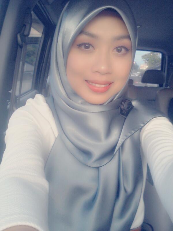 Tasha manshahar cantik berscarf for Floor 88 zalikha lirik