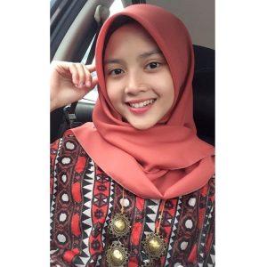 adik-syazana-cute