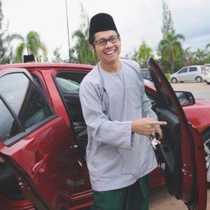 Ally Iskandar Berbaju Melayu