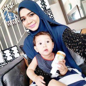 Diana Amir Dan Anaknya Khaulah