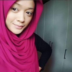 Faye Kusairi Berhijab