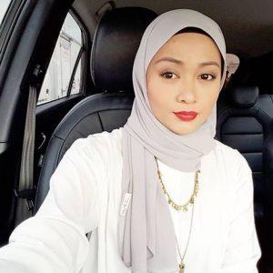 Faye Kusairi Selfie Dalam Kereta