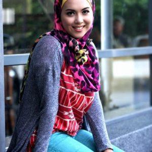gadis-manis-siti-saleha-fesyen-bertudung