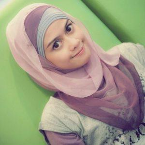 Gadis Muslimah Cute Heliza Helmi