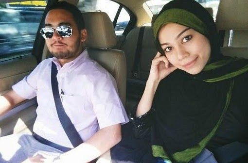 Gambar Sharifah Sakinah Bertudung Dan Suami