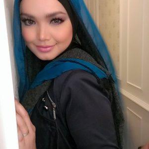 Gambar Siti Nurhaliza Make Up Cantik Dan Menggoda