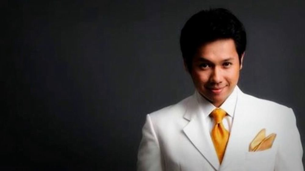 Gambar Solo Ally Iskandar