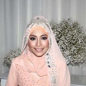 gaya-make-up-cantik-linda-hashim