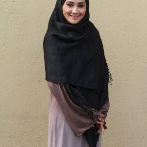 Gaya Muslimah Cantik Wawa Zainal