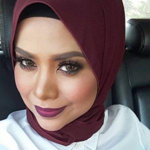 Gaya Selfie Alyah