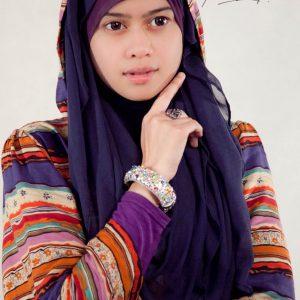 Heliza Helmi Berhijab