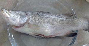 7 Cara Mudah Hilangkan Hanyir Ikan