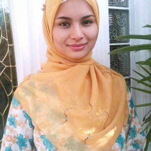 Izara Aishah Bertudung