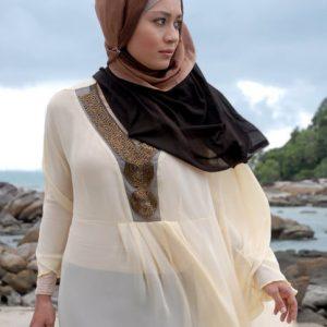 Maya Karin Dengan Fesyen Muslimah Dalam Ombak Rindu