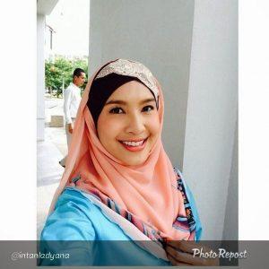 Selfie Fesyen Tudung Intan Ladyana