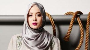 Biodata Vivy Yusof, Jutawan FashionValet.com