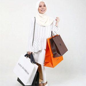Vivy Yusof Suka Shopping