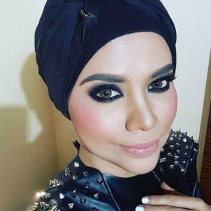 Wajah Alyah Dengan Make Up Menarik