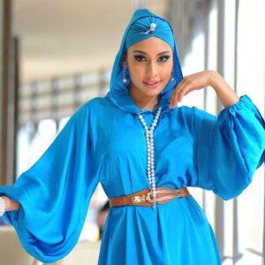 Fesyen Hijab Unik Zarina Anjoulie