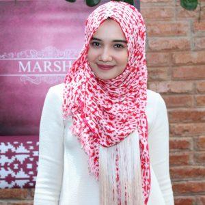 Gadis Indo Berhijab Cantik Zaskia Sungkar