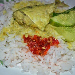 Nasi Berlauk Gulai Kuning Ala Kelantan