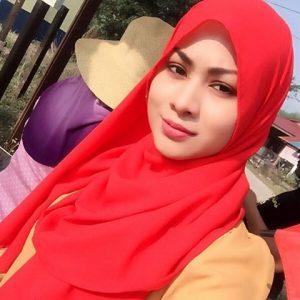 Nur Risteena Serba Merah Ketika Ke Kelantan